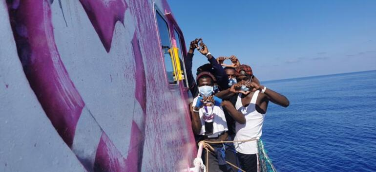200den fazla sığınmacı Akdeniz'de mahsur kaldı