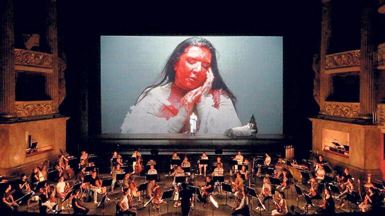 Abramovic'ten 'Callas'ın 7 Ölümü'
