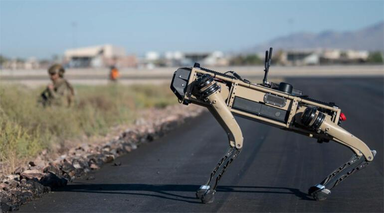 Robot köpekler ABD ordusunun tatbikatına katıldı