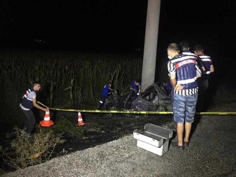 Adanada feci kaza Otomobil alev alev yandı
