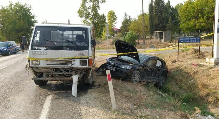 Adanada feci kaza 2 kişi hayatını kaybetti