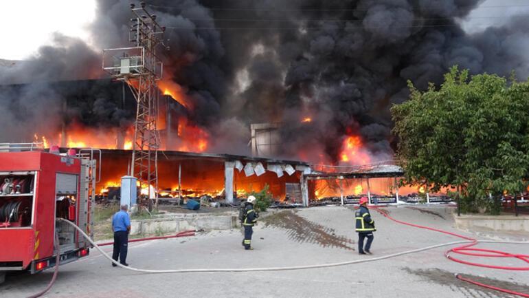 Son dakika... Tokat'ta AVM yangını, iş yeri sahipleri gözyaşlarına boğuldu