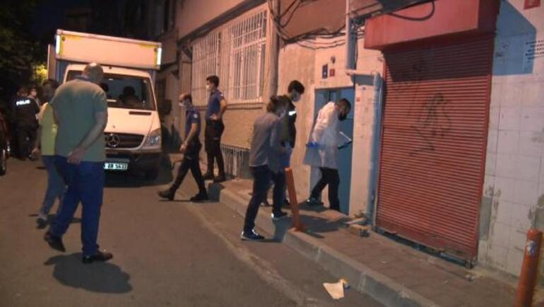 Yabancı uyruklu genç kadın apartman merdivenlerinde ölü bulundu