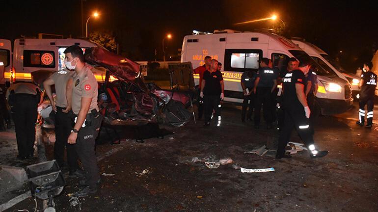 Adanada feci kaza 2 ölü, 4 yaralı