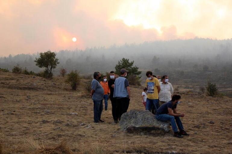 Boluda yangın Vali uyardı: Evleri boşaltmalıyız
