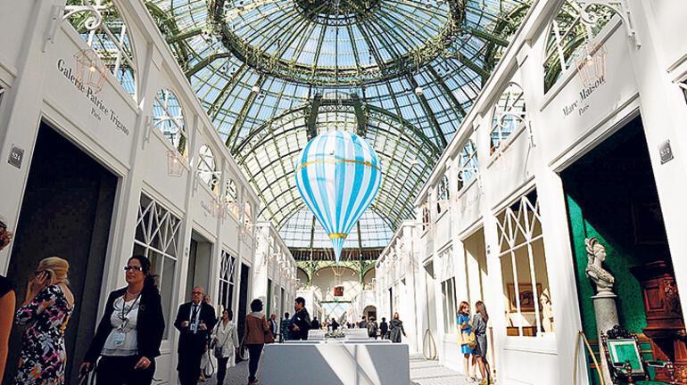 Paris Bienali'ni  gezmek isteyenlere