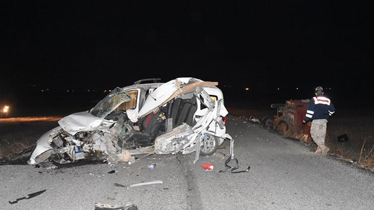 Karsta çok feci kaza:  2 ölü, 2 yaralı