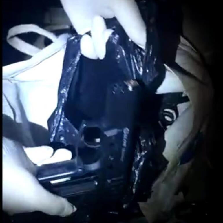 Bursada kurusıkı tabancaları gerçeğe çevirip satan 2 kişi yakalandı