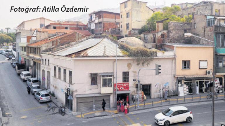 Eski İzmir hamamı yok oluyor…