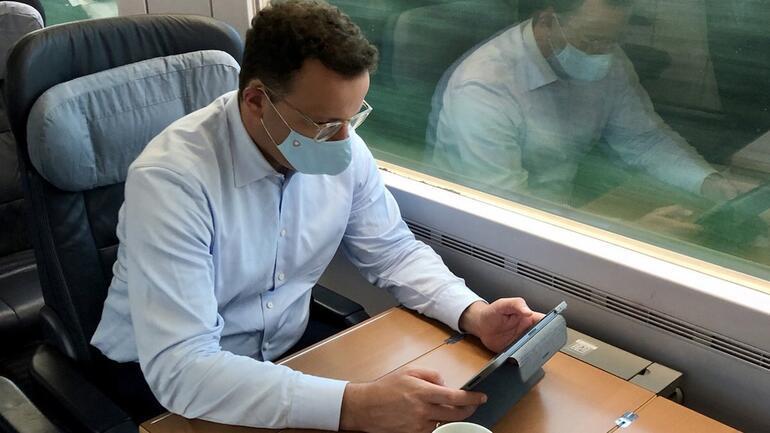 Son dakika... Almanya Sağlık Bakanı Koronavirüse yakalandı