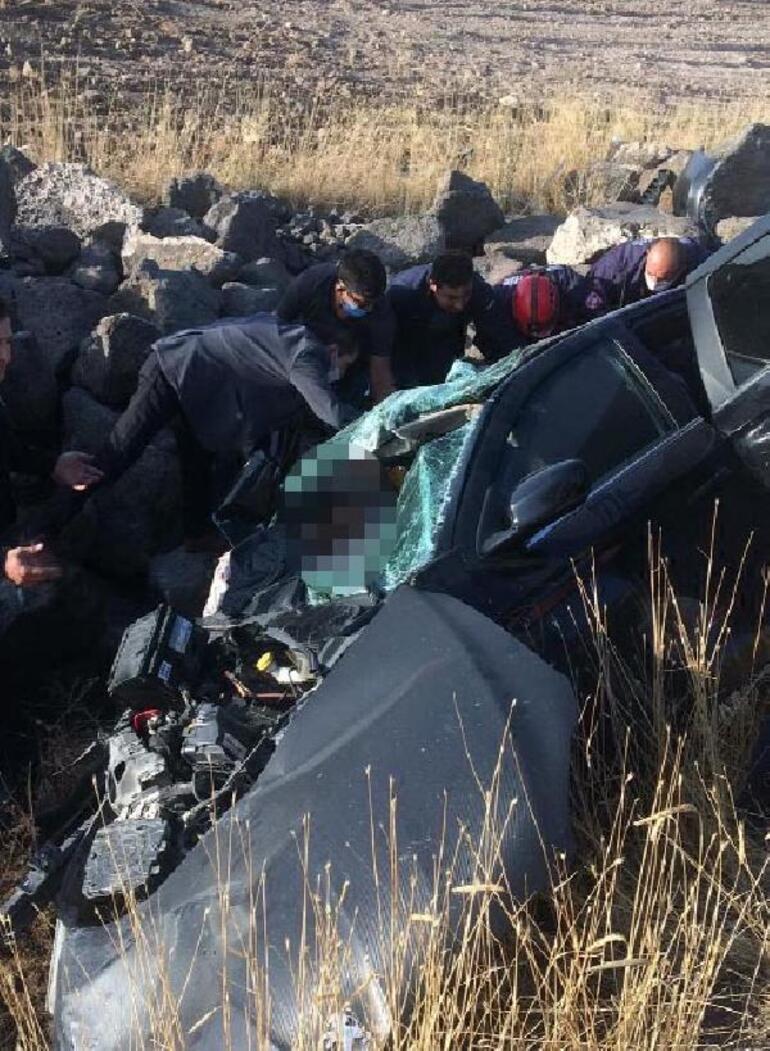 Nevşehirde otomobil şarampole devrildi: 1 ölü, 2 yaralı