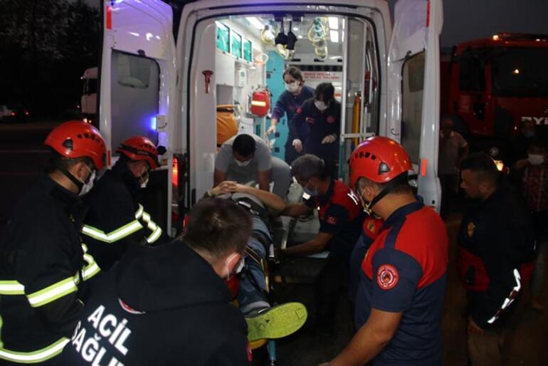 Otomobil kamyonla çarpıştı: 2 kişi yaralandı