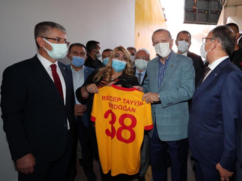 Cumhurbaşkanı Erdoğandan çok sert tepki: Zihinsel tedaviye ihtiyacı var