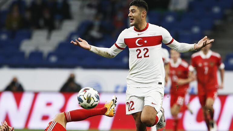 Liverpoolda Van Dijkın yerine Ozan Kabak