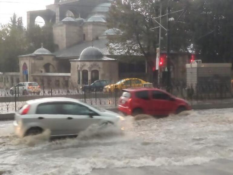 İstanbulun Avrupa Yakasında sağanak etkili oldu
