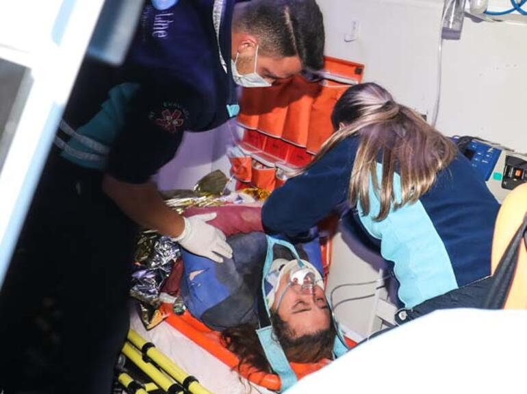 Son dakika... İzmir depreminde enkaz altında kalan Buse kurtarıldı