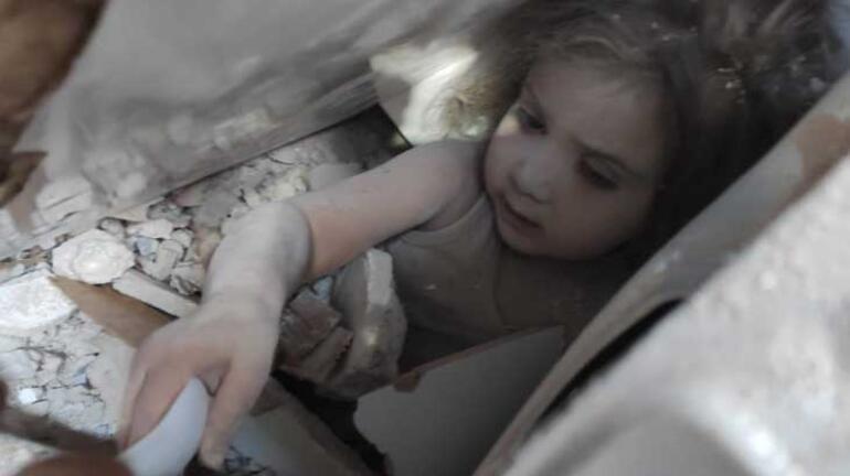 Son dakika: Enkazın 91. saatinde kurtuldu Ayda bebeğin inanılmaz görüntüleri