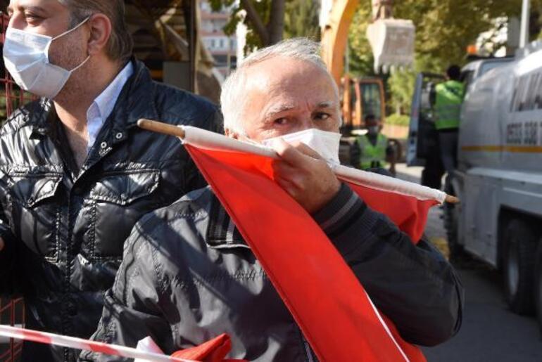 İzmir'deki yıkımlarda bayrak hassasiyeti