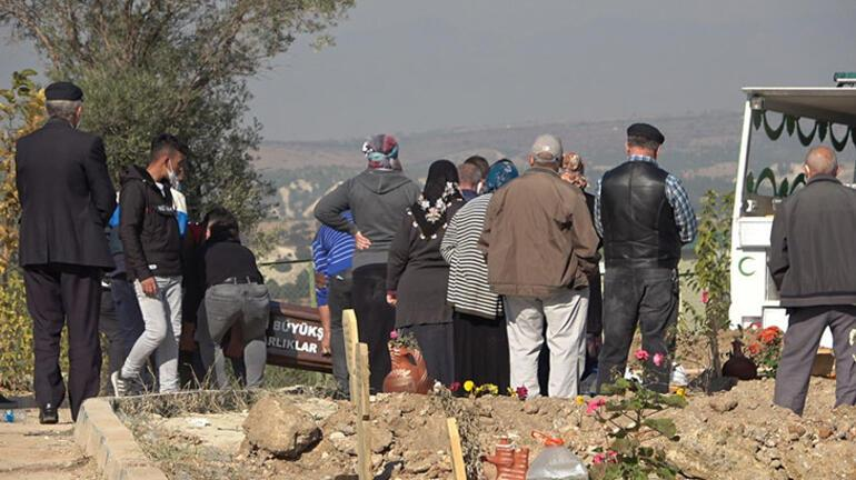 Boğularak öldürülen üniversiteli Tuba son yolculuğuna uğurlandı