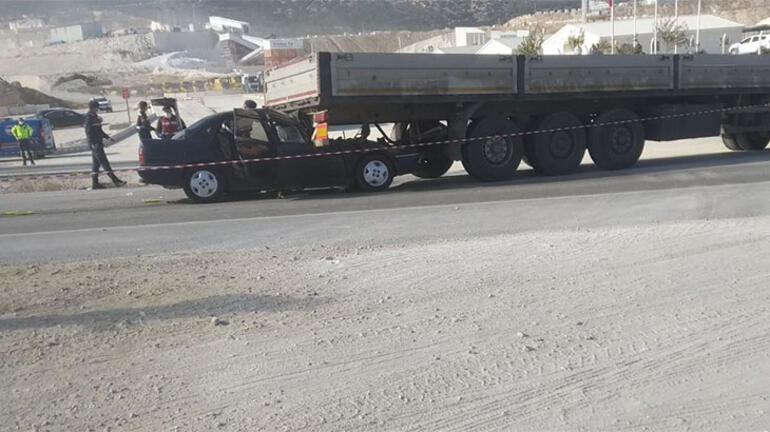 Burdurda otomobil ile TIR çarpıştı: 1 ölü