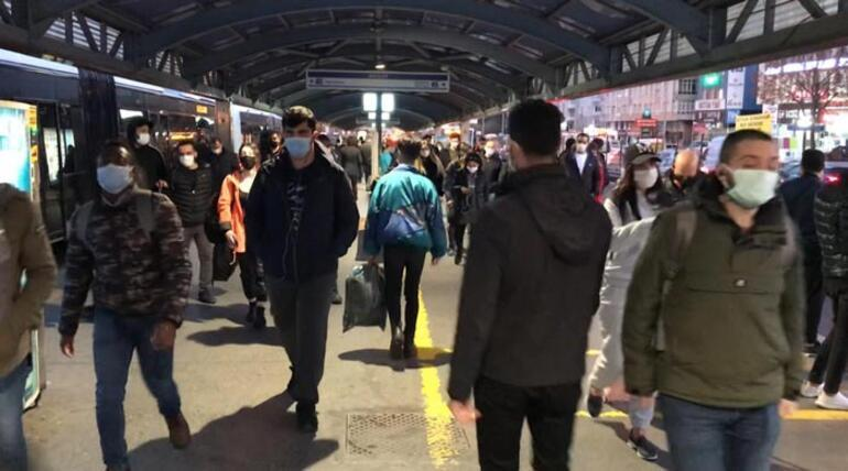 İstanbulda mesai saati yoğunluğu Kalabalık böyle yansıdı
