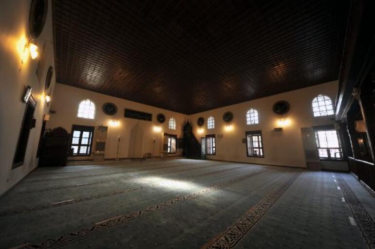 Vani Mehmed Efendi'nin torunu: İnşallah Kesteldeki caminin başına bir şey gelmez