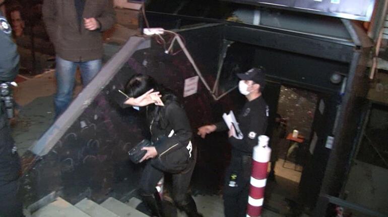 Korona partisi Kaçmaya çalışırken merdivenden düştüler