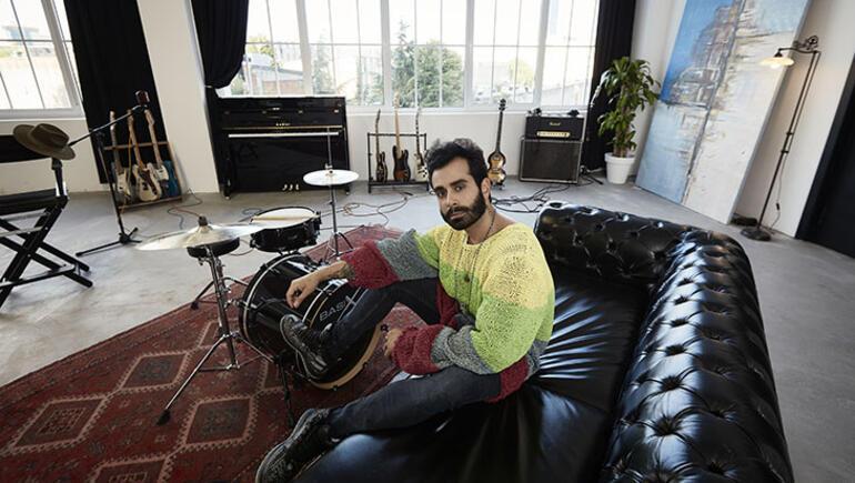 Gökhan Türkmenin yeni albümü Romantik çıktı