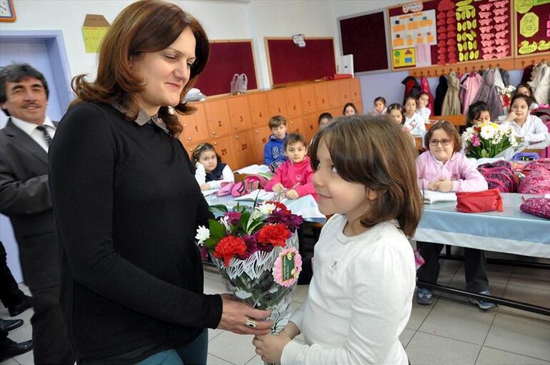 Öğretmenler Günü mesajları ve şiir çeşitleri bu sayfada 24 Kasım Öğretmenler Günü kutlu olsun