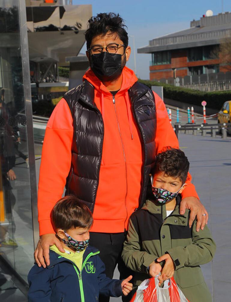 Bedri Güntay oğullarıyla alışverişte