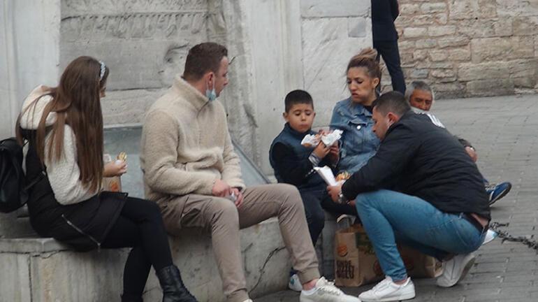İstiklal Caddesinde koronavirüs denetimleri sürüyor