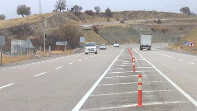 Mahalleli, 28 yılda 39 kişinin kazada hayatını kaybettiği yolda önlem alınmasını istedi