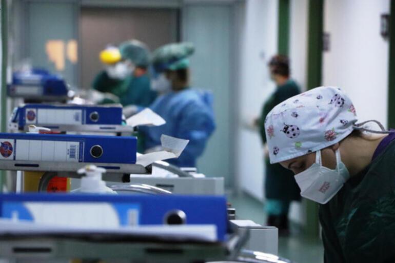 Yürekleri dağlıyor Korona hastalarının son istekleri sağlık çalışanlarına gözyaşı döktürüyor