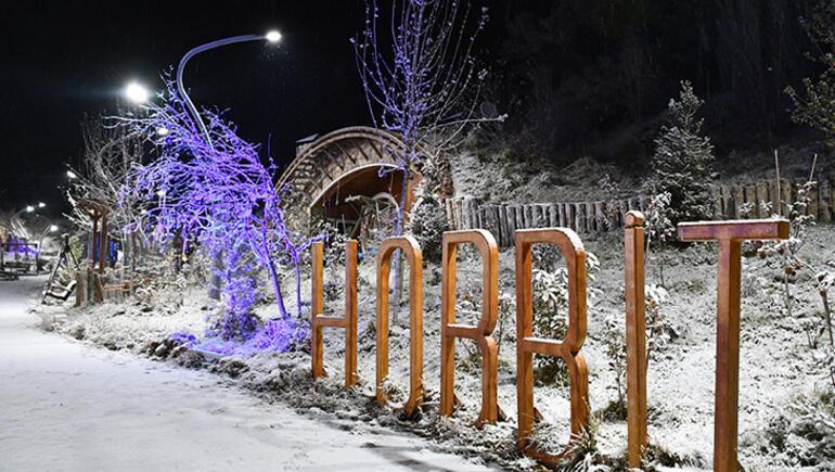 Sivasta Hobbit Köyünde kar mazanaraları