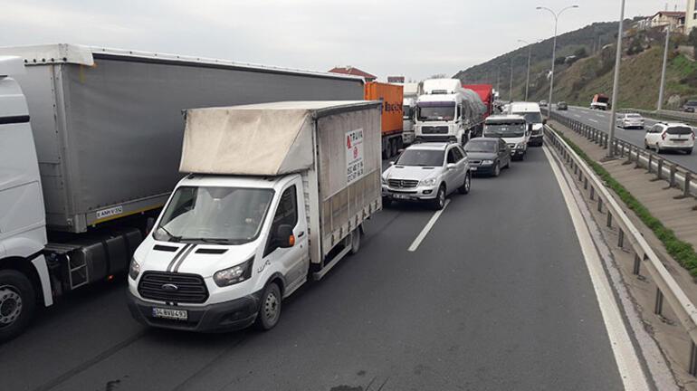 Anadolu Otoyolunda minibüs ile cip çarpıştı: 8 yaralı