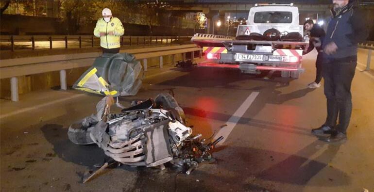 Zeytinburnunda motosiklet kazası İki kardeş ağır yaralı