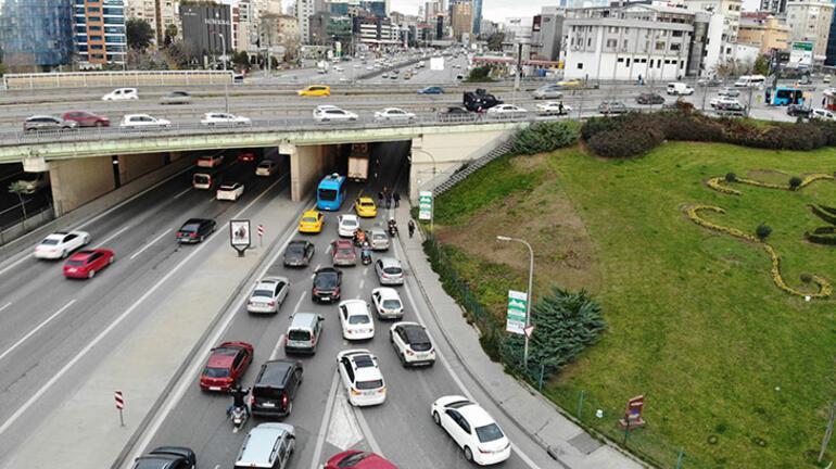 Kadıköyde polis alarma geçirdi: Trafik felç oldu