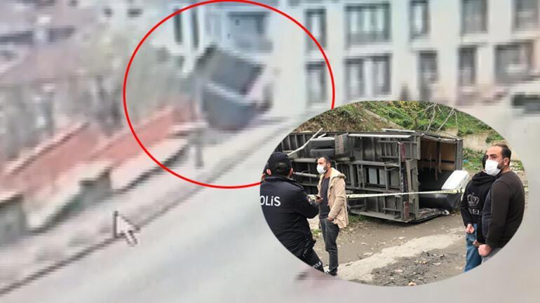 Kağıthanede dehşet Nakliye kamyoneti 10 metreden düştü