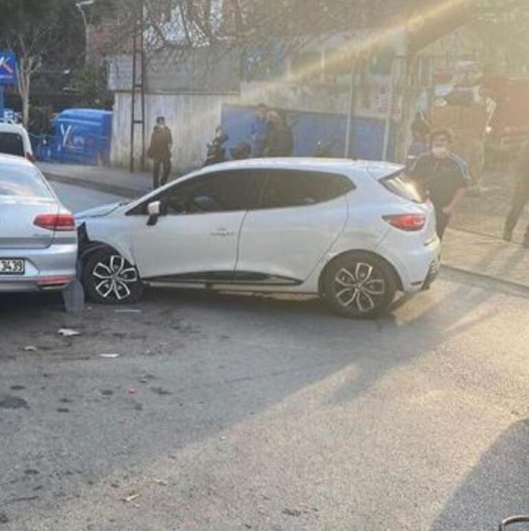 Emre Altuğ trafik kazası yaptı