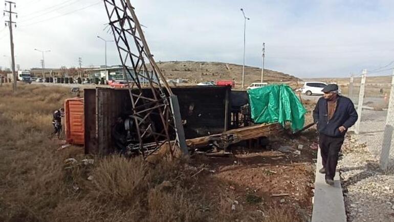Son dakika Freni boşalan kamyon otomobile çarptı: 1 ölü, 2 yaralı