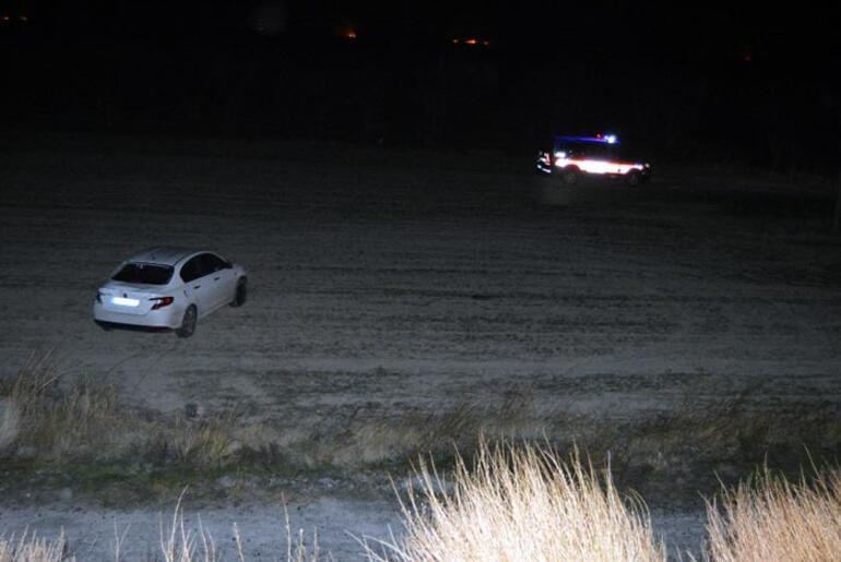 TIR, jandarma aracı ve otomobile çarptı