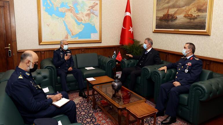 Bakan Akar, Pakistan Hava Kuvvetleri Komutanı Khanı kabul etti