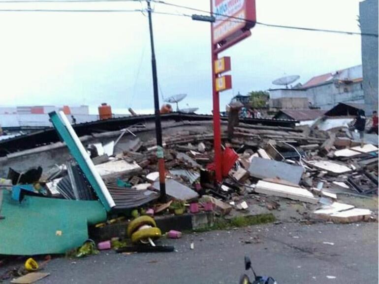 6.2lik deprem Çok sayıda ölü ve yaralı var