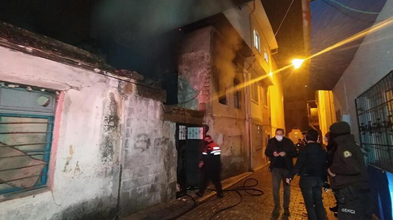 Yangın sonrası eve girdiler, erkek cesedi buldular