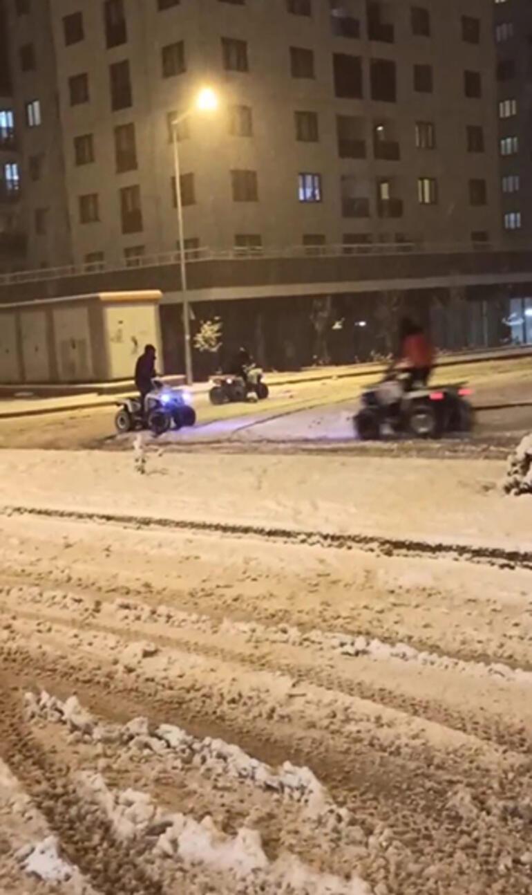 Koronayı hiçe saydılar, kar üstünde horon oynadılar