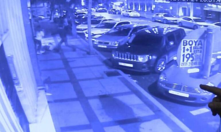 Son dakika: Beşiktaşta kağıt toplayıcısı dehşet saçtı: 3 yaralı...
