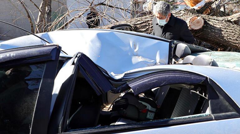 Saniyeler önce park ettiği aracını bu halde buldu