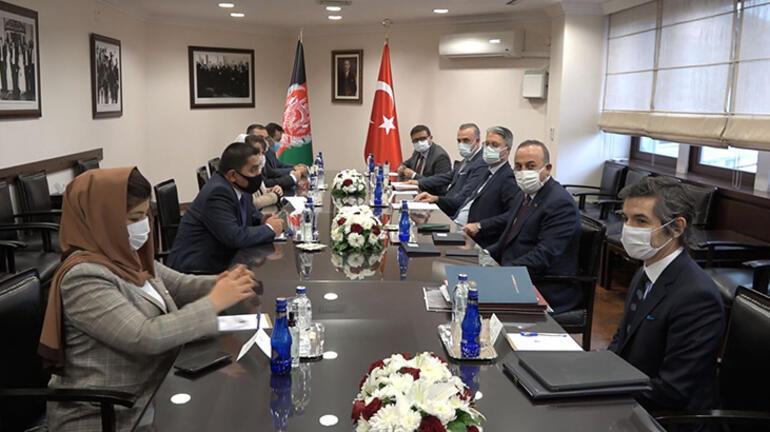Bakan Çavuşoğlu, Afganistan Ulaştırma Bakanı Zeki ile görüştü
