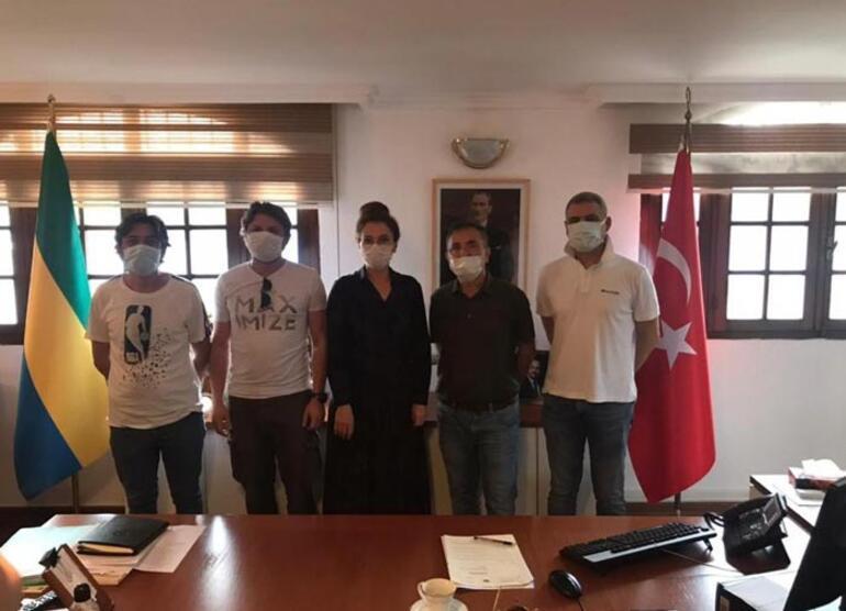 Korsan saldırısından kurtulan 3 denizci Türkiyeye geliyor
