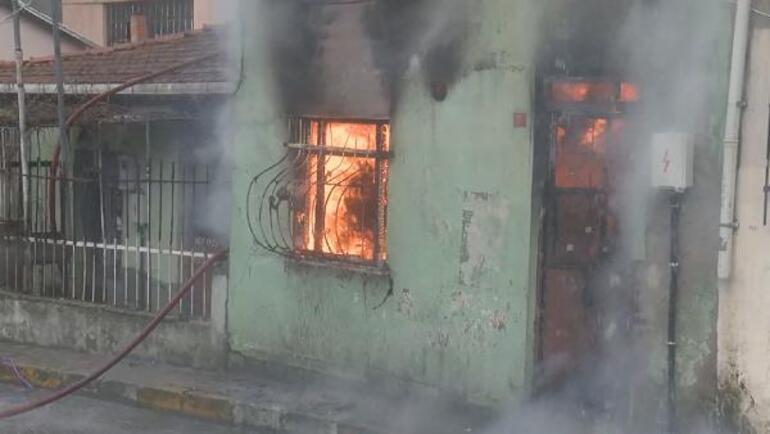 Son dakika... Beyoğlunda yangın paniği